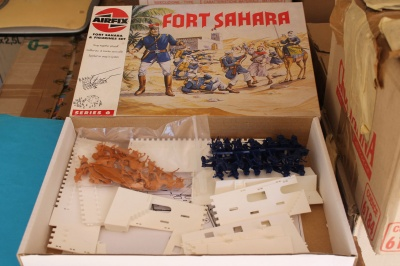 AIRFIX  - FORT SAHARA - SET  FOREIGN LEGION  E Arabs (Bedouins)