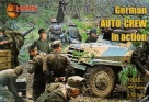 72013 German (WWII) auto mechanics in action