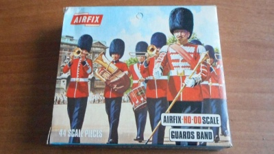AIRFIX S1-69 BRITISH GUARDS BAND SOLDIERS ... BLUE BOX 1969