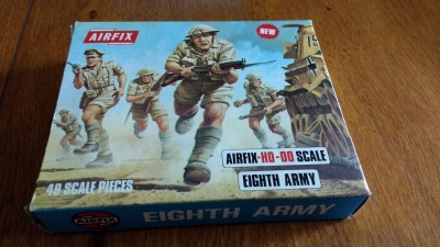 AIRFIX - WWII British 8th Army - S9 BLUE-BOX 1973 - SECONDA EDIZIONE SOLDATINI